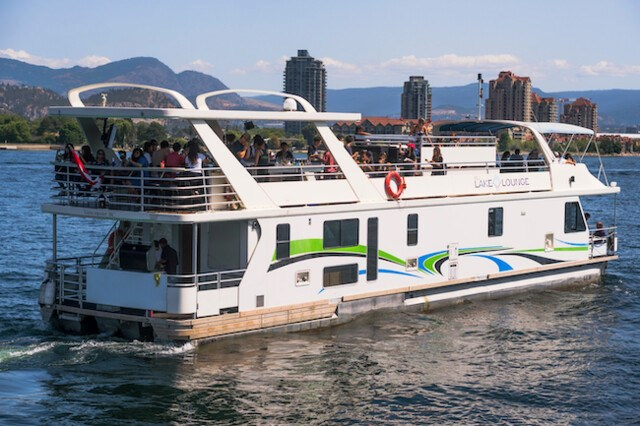 okanagan-party-boat