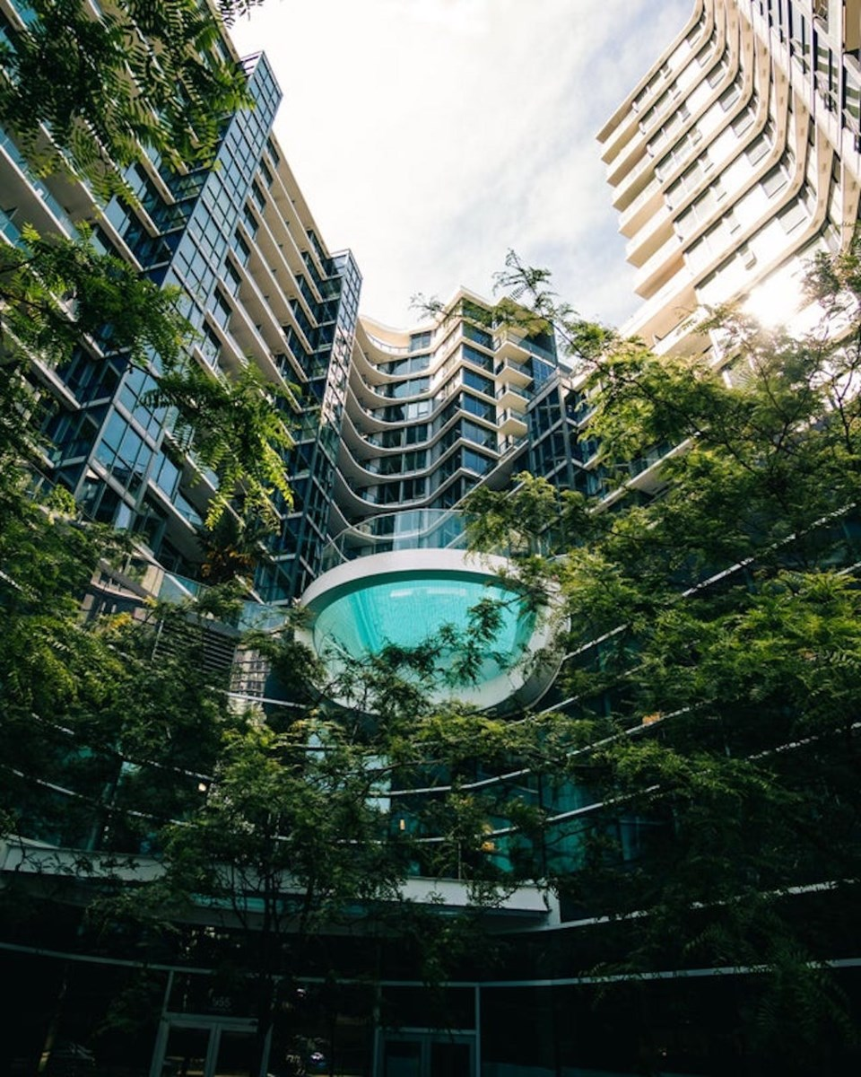 fishbowl-swimming-pool-vancouver-one-pacific