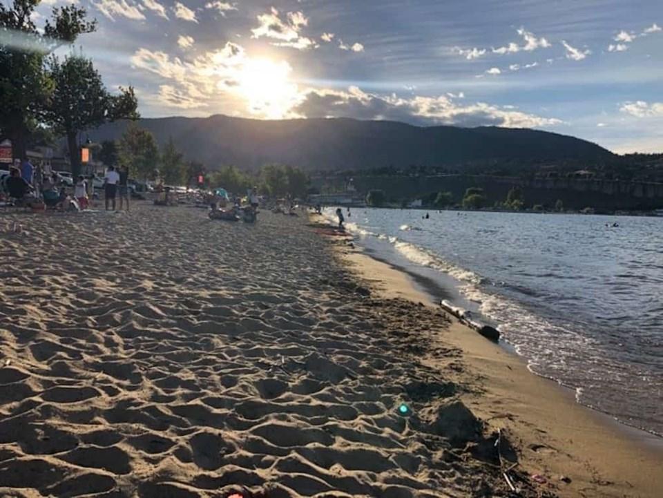 okanagan-lake-beach