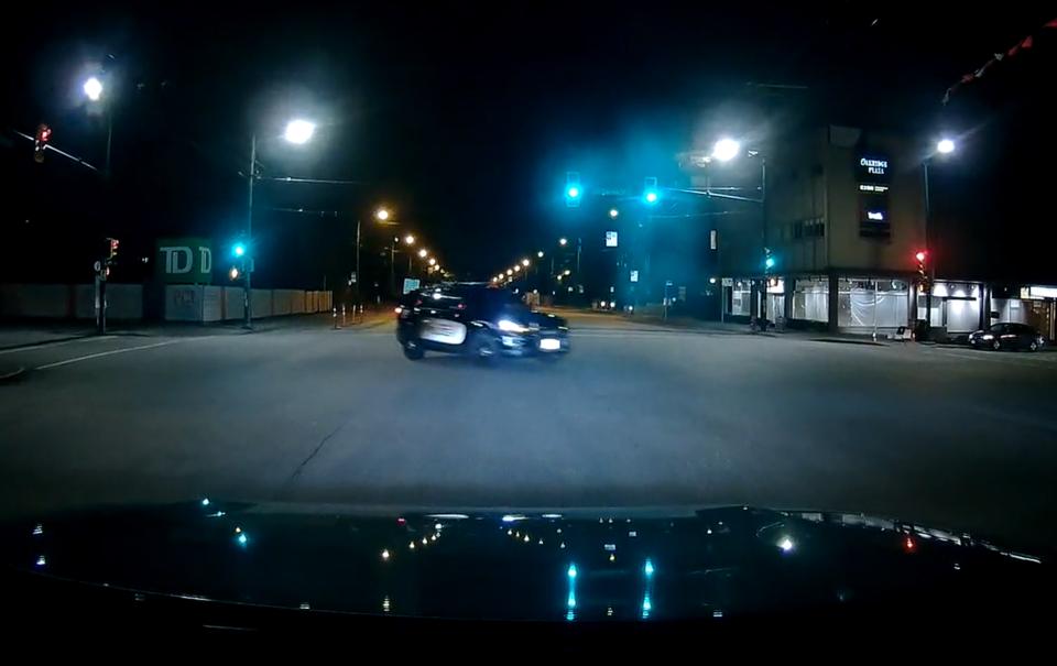 PoliceLeftTurn
