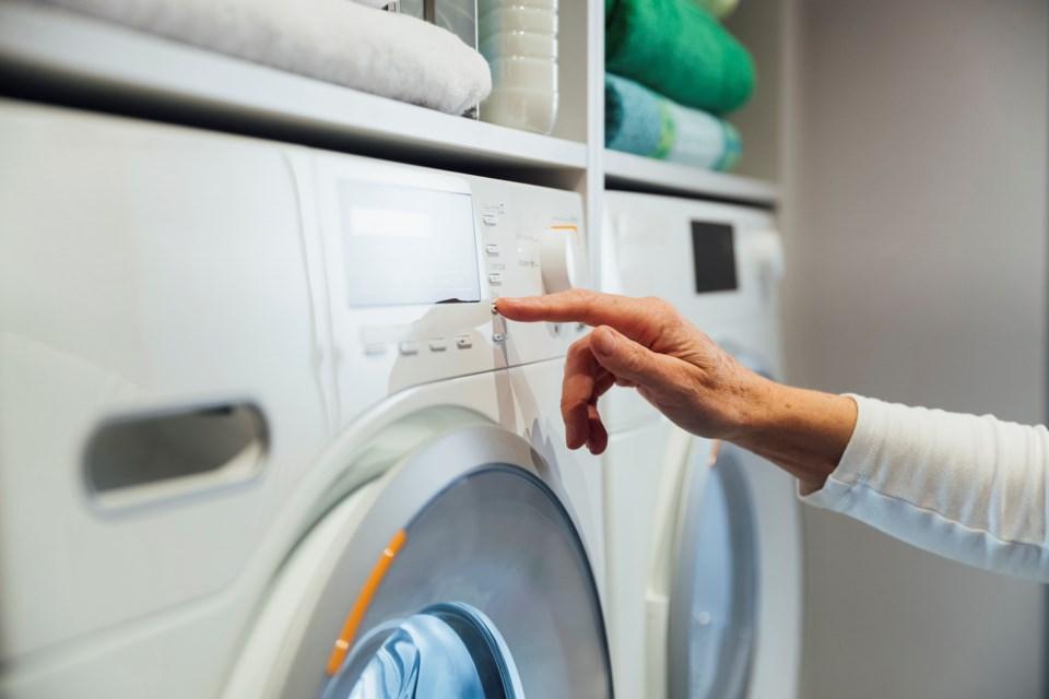 WashingMachine-Laundry-SolStock-GettyImages