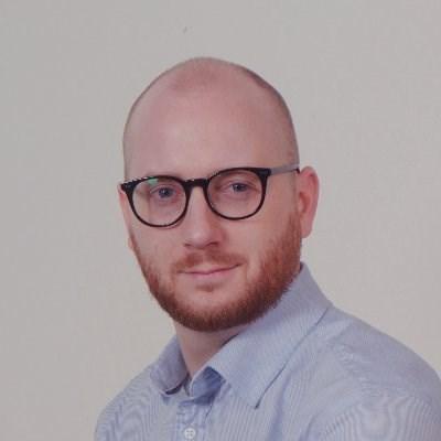Damian Jewett1
