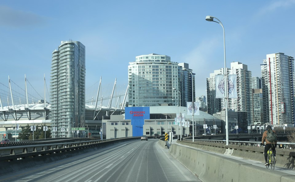 rogers-arena-viaduct