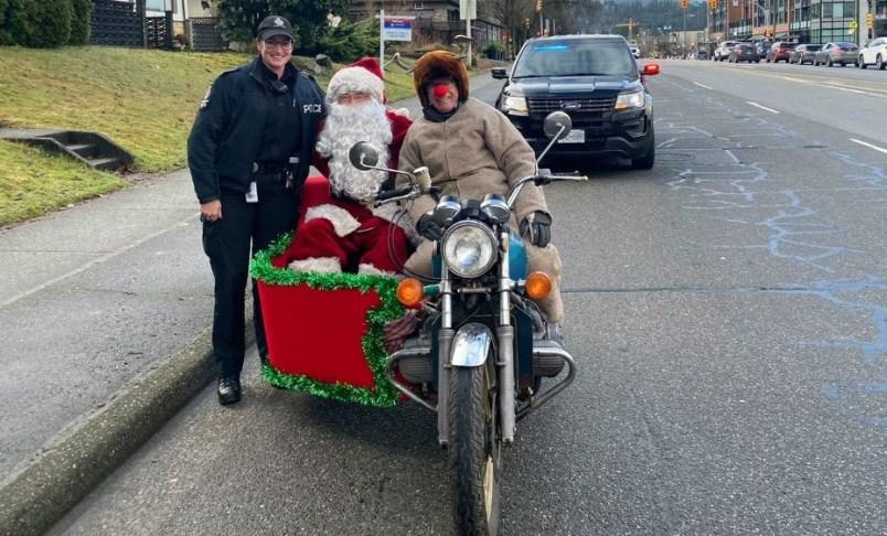 santa-sidecar-transit-police