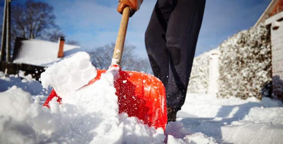 shoveling-snow-new-vancouver