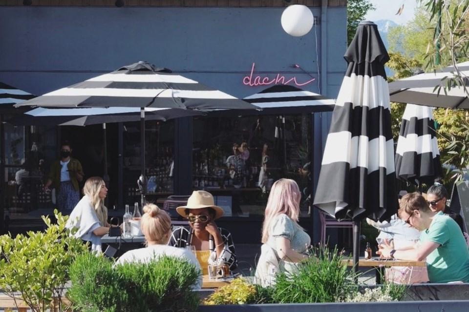 dachi-vancouver-patio