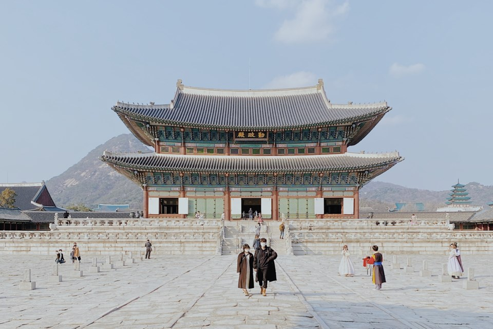 Gyeongbokgung-Palace-Konrad-Ziemlewski-Unsplash