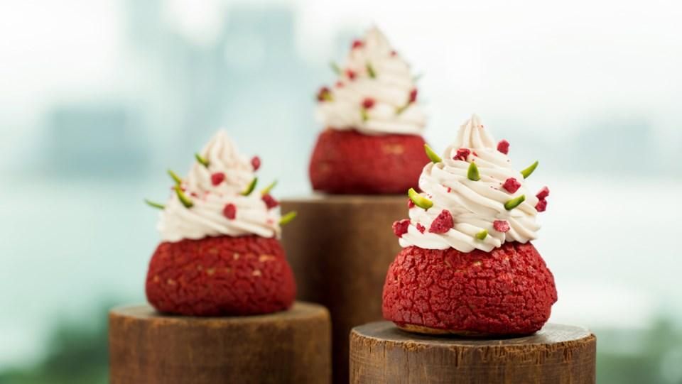 raspberry-pistachio-choux-craquelin