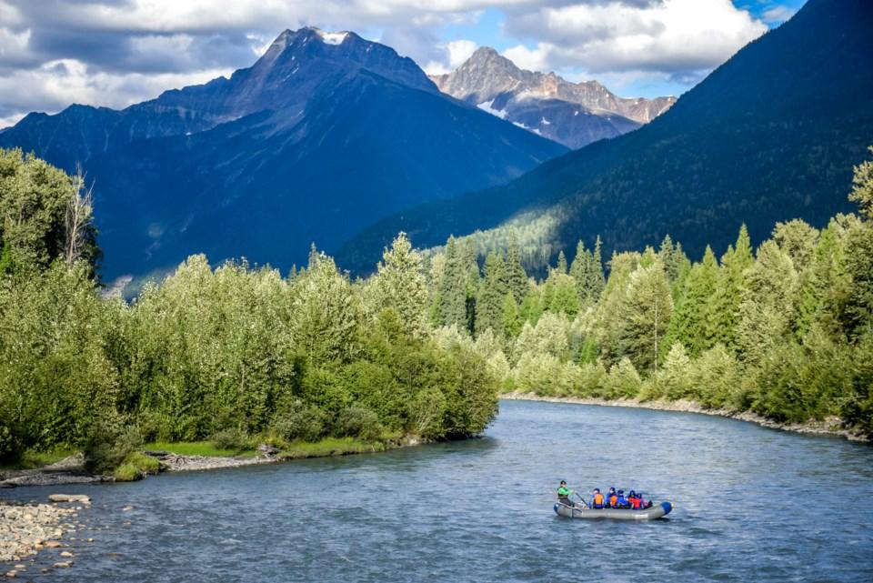 Revelstoke - Whitewater Rafting Wild Blue Yonder - Hywel Williams (1)