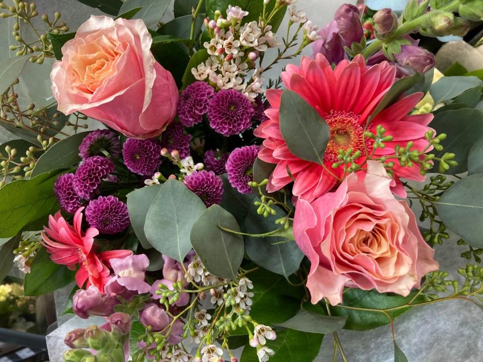 stongs-flowers
