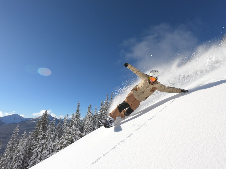 VIA-Snowboarder