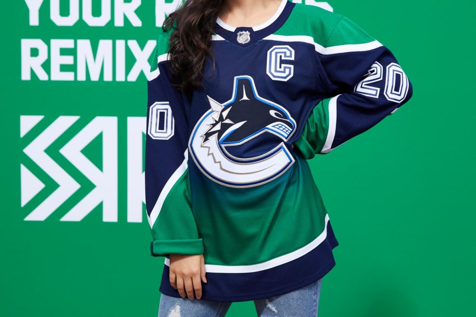 Canucks-gradient-jersey-reverse-retro