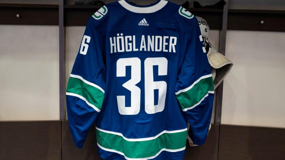 hoglander jersey canucks twitter