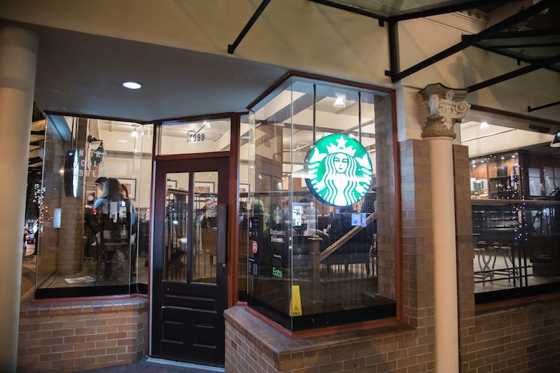 starbucks-cafe-vancouver-canada-oct2019