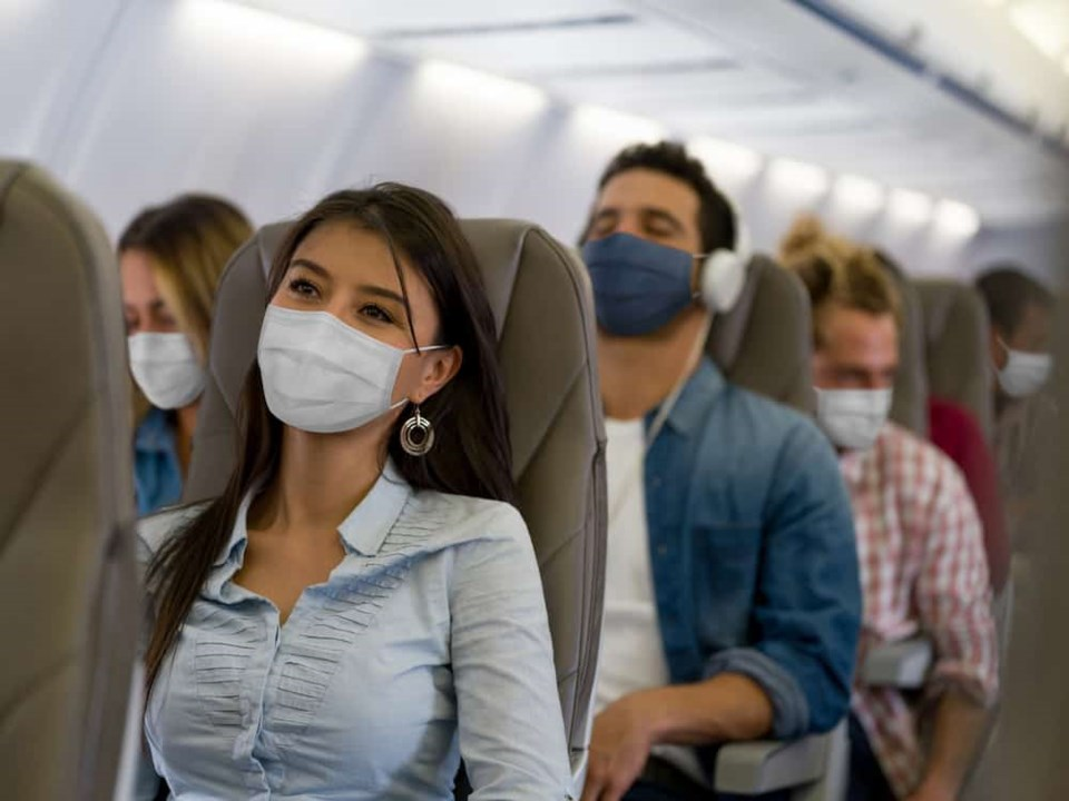 face-masks-on-plane