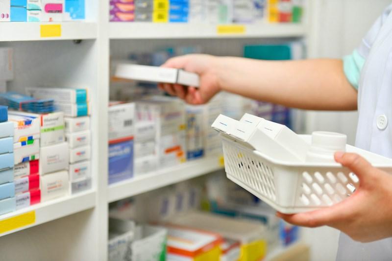 filling-supply-drugs-pharmacy