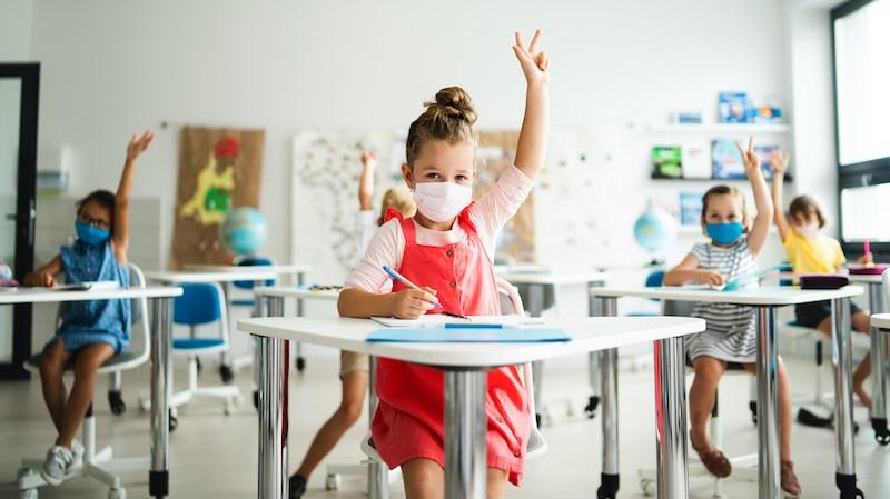 kids-class-face-masks-coronavirus-vaccine-2021-bc