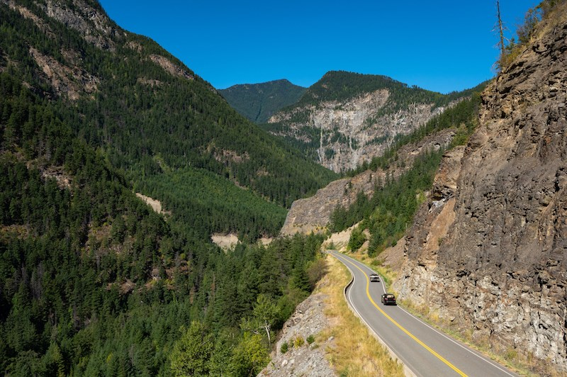 mountain-highway-bc-driving
