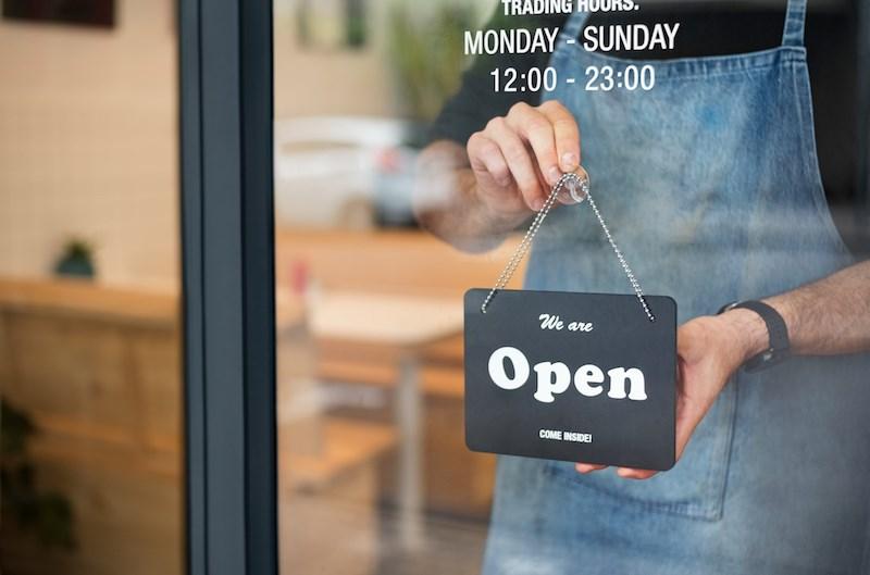 restaurant-open-sign-come-inside