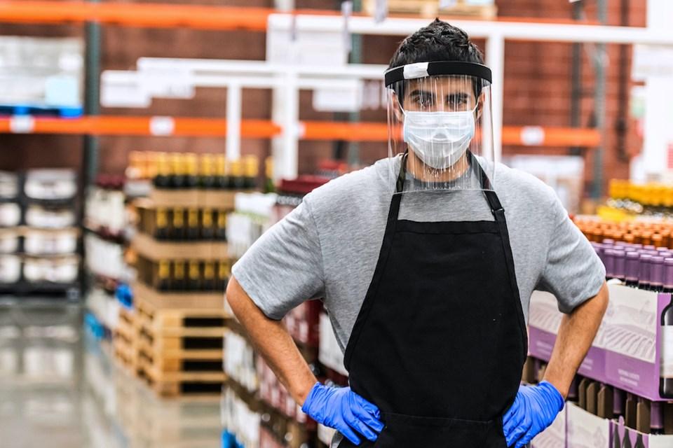 warehouse-worker-mask-visor