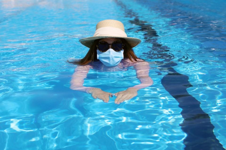 woman-swimming-covid-19-coronavirus-face-mask-vancouver-ubc-professor-tiktok