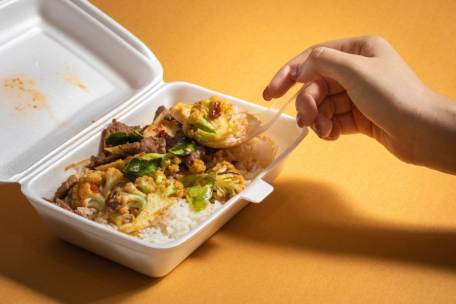 styrofoam-takeout-container-food-restaurant