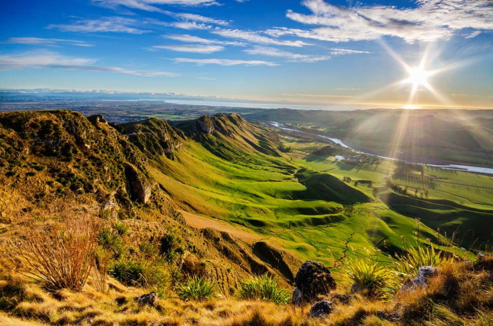 te-mata-peak-hawkes-bay-new-zealand