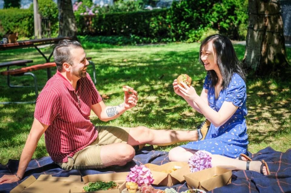 teahouse-stanley-park-picnic