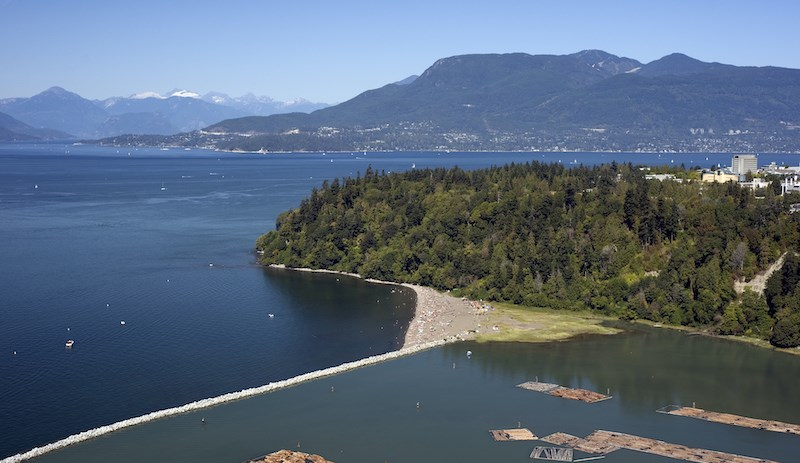 skinny-dipping-wreck-beach-vancouver-2021