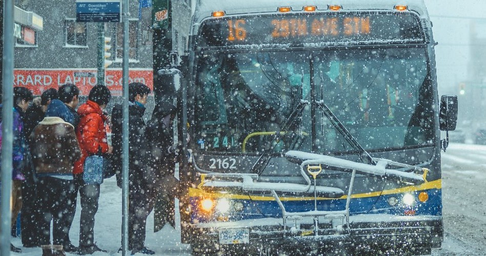 translink-bus-snow-twitter-vancouver