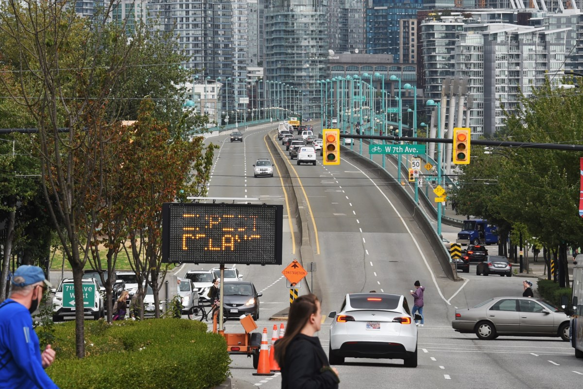 Drivers warned to expect delays using Cambie Bridge this fall