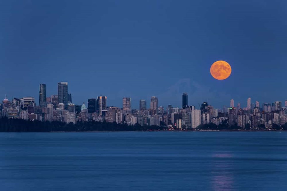 The full Harvest Moon will shine bright to begin October