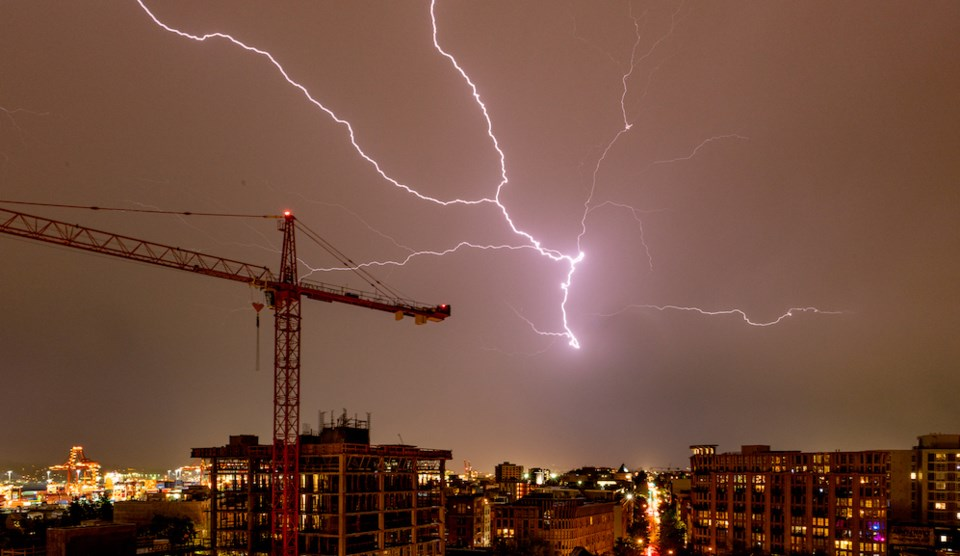 lightning-vancouver-storm-may-2021