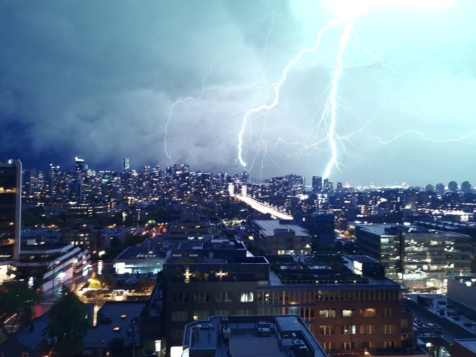 Lightning strikes captured over Vancouver during intense thunderstorm (PHOTOS & VIDEO)