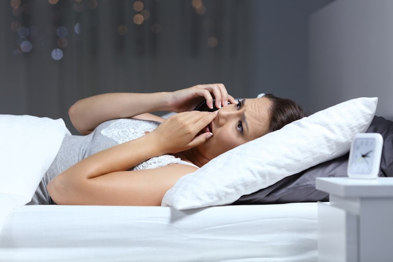woman-upsetting-phone-call-night