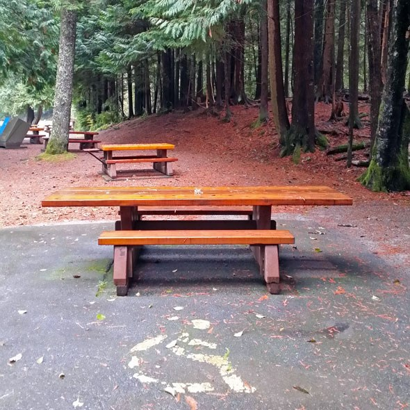 accessible-picnic-table-design