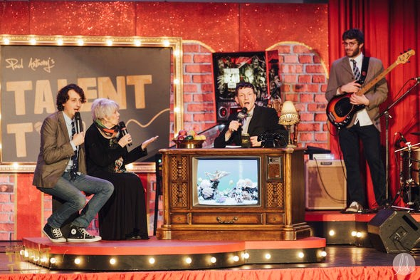 Co-host Ryan Beil, psychic Cassandra MacLeane, Paul Anthony & house band. Photo by Lindsay Elliott for lindsaysdiet.com