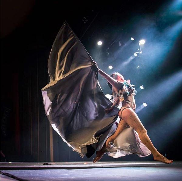 Burlesque performer Bunny. img: