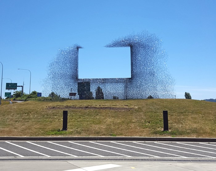 Sculpture at the Peace Arch border crossing