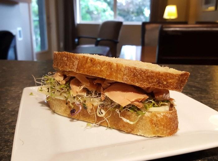 sandwich-smoked-salmon