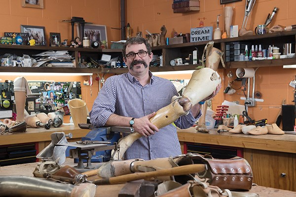 David Moe, prosthetic collector