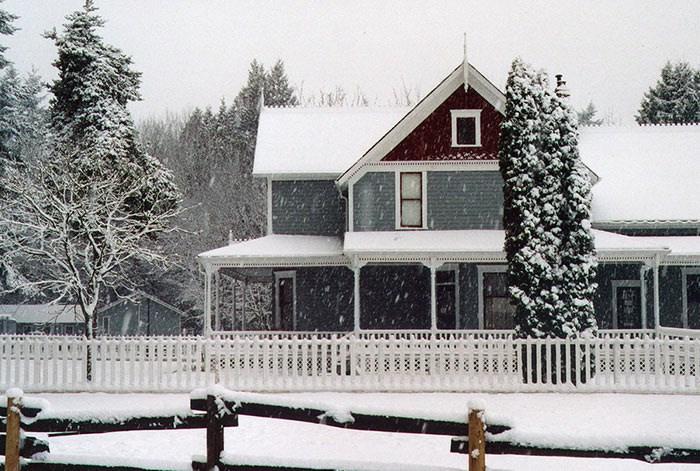 Snow_Farmhouse A small