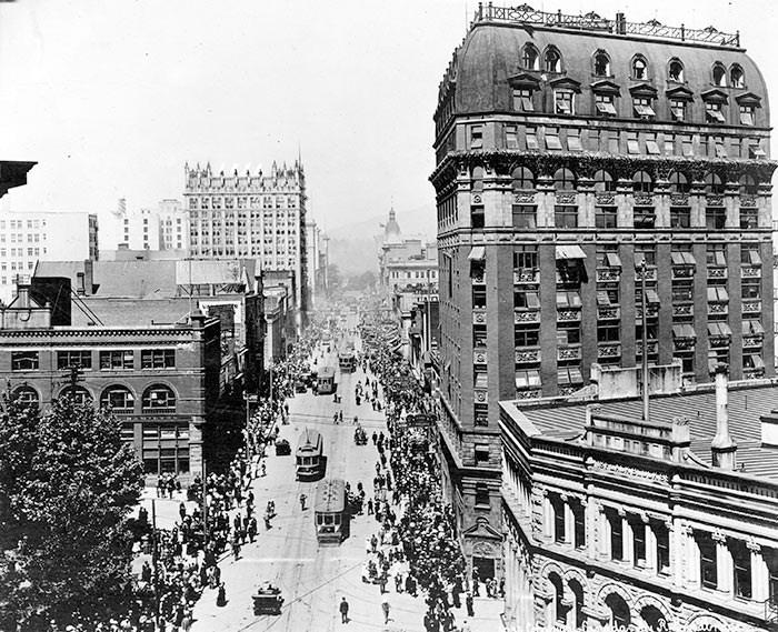 Dominion Building. City of Vancouver Archives. Ref: AM54-S4-2-: CVA 371-2711.