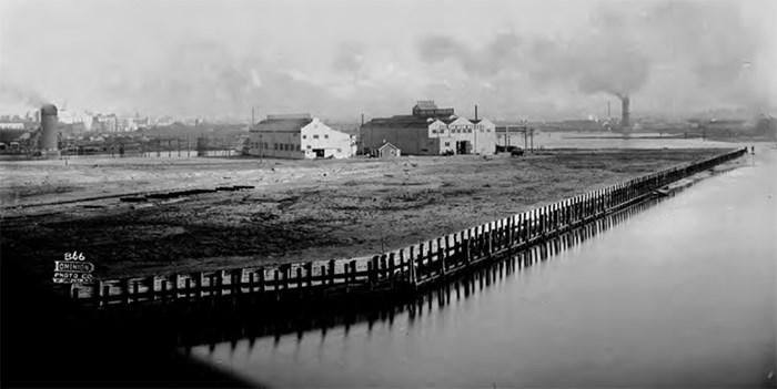 Dominion Photo Co. photo, Vancouver Public Library VPL 20405.