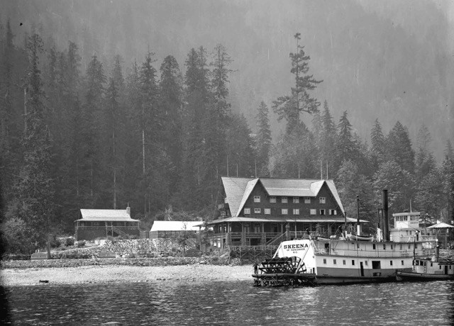 The Sternwheeler Skeena in front of the Wigwam Inn, ca. 1912. PHOTO COURTESY VANCOUVER ARCHIVES LGN 546