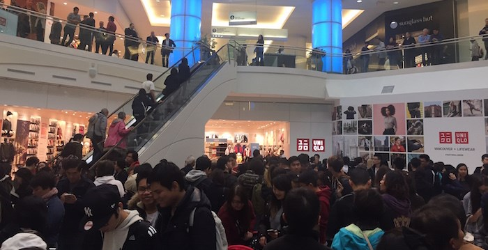 Opening day lines at Uniqlo Vancouver - Vancouver Is Awesome