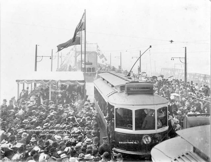 Opening of the second bridge, 1909. Archives# CVA 1376-456.