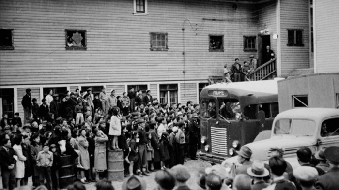 Japanese-Canadians enter an internment camp during the Second World War (National Archives of Canada).