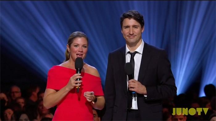 Prime Minister Justin Trudeau and Sophie Grégoire-Trudeau honour Leonard Cohen at the 2017 JUNO Awards. Photo courtesy JUNO Awards