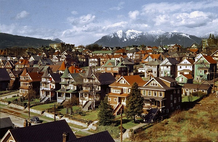 Fred Herzog photo of the West End in 1957. Courtesy